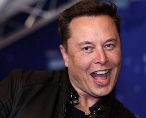 Elon Musk annonce que l'achat d'une tesla peut désormais s'acheter avec un seul bitcoin